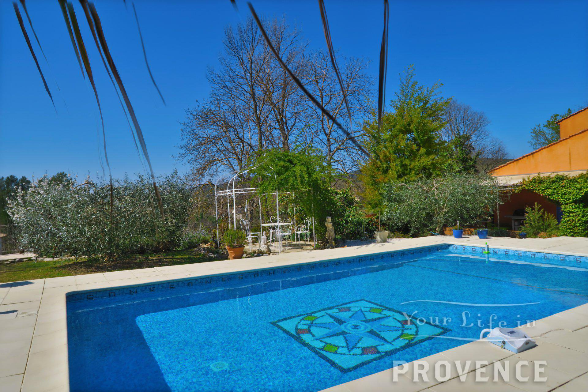 Impeccable property with pool near saint-antonin